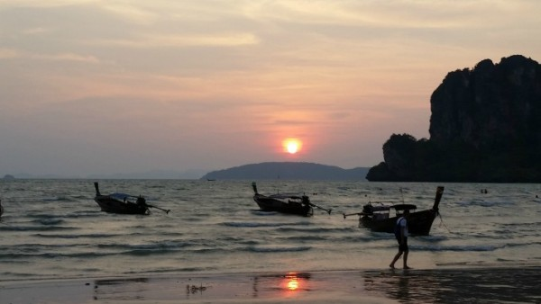 Pôr-do-sol em Railay Beach